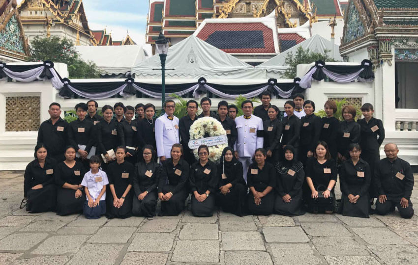 QV Test co-hosts merit-making ceremonies dedicated to the late King Bhumibol Adulyadej